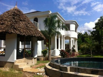 Photo of Coco De Ville Beach Holiday Home