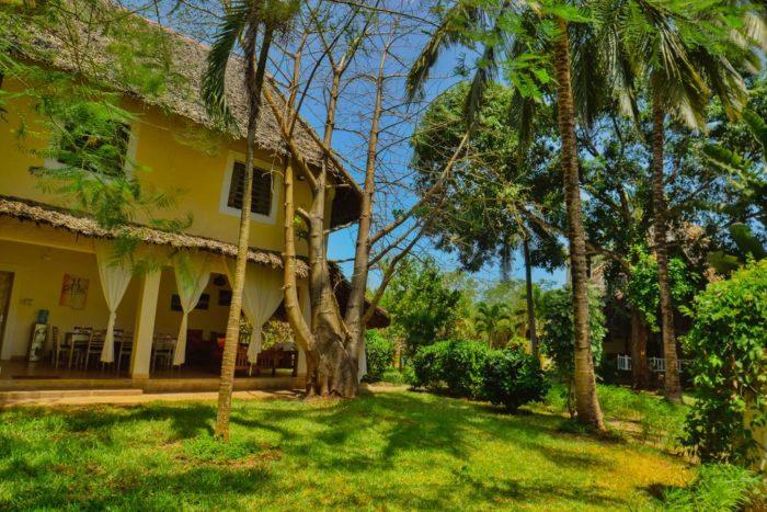 6 Bedroom Villa with Garden View